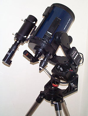 Meade LX10 shown with the MX5 CCD camera attached to the Lumicon Superfinder for wide field CCD imaging.  Click on an accessory for more information.